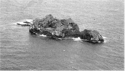 Figure 12: L'Esperance Rock. View from the west. Aerial photograph by I.E.M. Smith